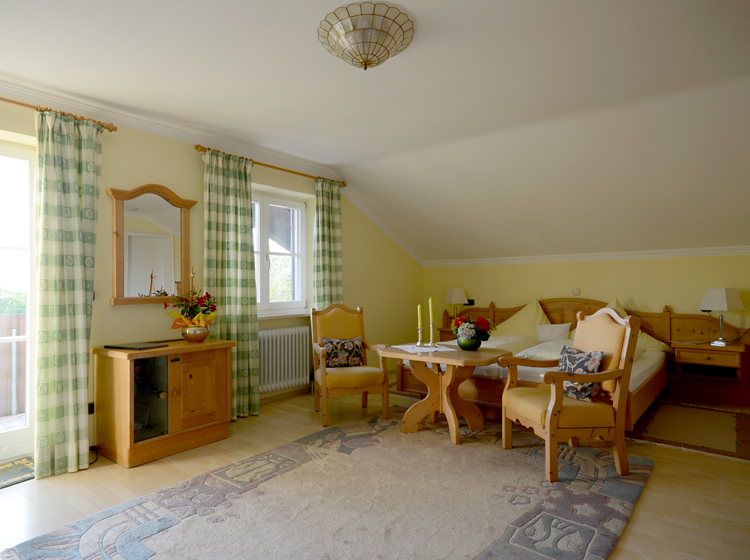 Bauernhof urlaub im chiemgau am chiemsee zimmer for Panoramabilder wohnzimmer